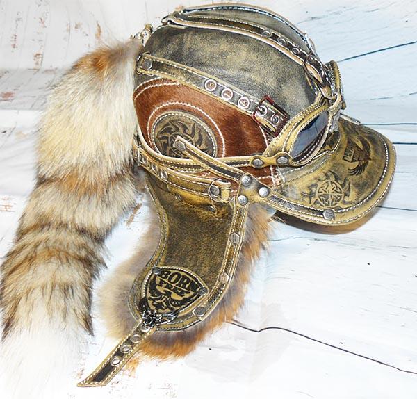 Шапка-ушанка с очками и хвостом из меха лисы  коллекция зима