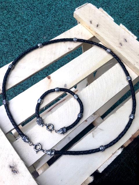 чокер, шнур, гайтан на шею под подвеску, кулон из натуральной плетеной кожи (черной) толщиной 6 мм с наконечниками в виде головы медведя из серебра или бронзы с покрытием золота 18-22 карата подарок парню мужчине
