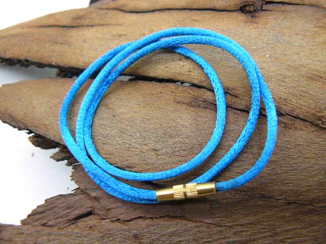 Шелковый шнур длиной от 40-80 см толщиной 2 мм на ввинчивающемся замке из бронзы подарок парню, мужчине, девушке, женщине. ребенку на крещение новый год под крест 23 февраля на каждый день 8 марта