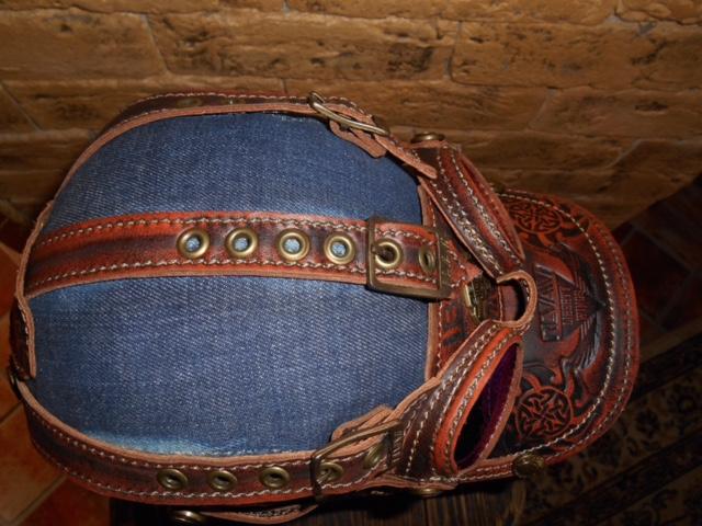 кепка из джинсовой ткани с очками стиль PILOT  черная тисненая кожа  подарок парню, мужчине, девушке, женщине, на новый год, день рождения 23 февраля, 8 марта,  на каждый день день всех влюбленных, отлично на лето!