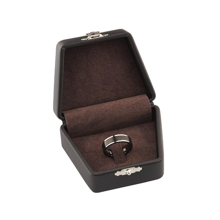Стильная подарочная коробочка для мужского кольца и перстня из титана
