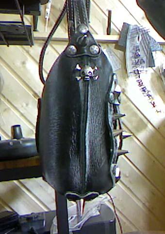 Стильная cумка из натуральной кожи в стиле HAND MADE вид сбоку