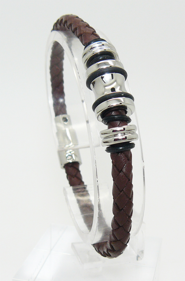 Темно-коричневый плетеный браслет из кожи с центральными декоративными элементами из стали с логотипом POLICE на магнитной застежке подарок парню мужчине