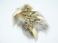 Кулон-амулет-оберег клык волка золото 24 карат с глазами из драгоценных камней