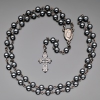 Бусы, ожерелье, розарий   из гематита с крестом  Rico la Сara 1238