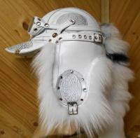 Шапка Пилот с очками с мехом арктической лисы