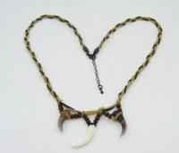 Ожерелье 2 когтя лисы 1 клык лисы
