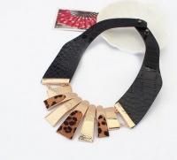 Ожерелье, колье  с мехом