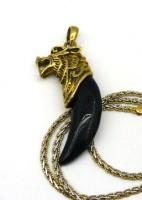 Кулон-амулет клык волка из камня с головой волка позолота 24 карат