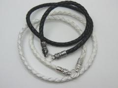Чокер, шнур, гайтан на шею из плетеной кожи 6 мм с замком в виде головы волка серебро 925