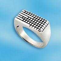 Перстень из серебра 1535788